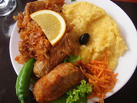 Photo: from the internet, featuring classic Moldovan meal