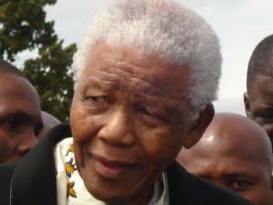 My daughter was this close to Mandela!  ©ELL 2007